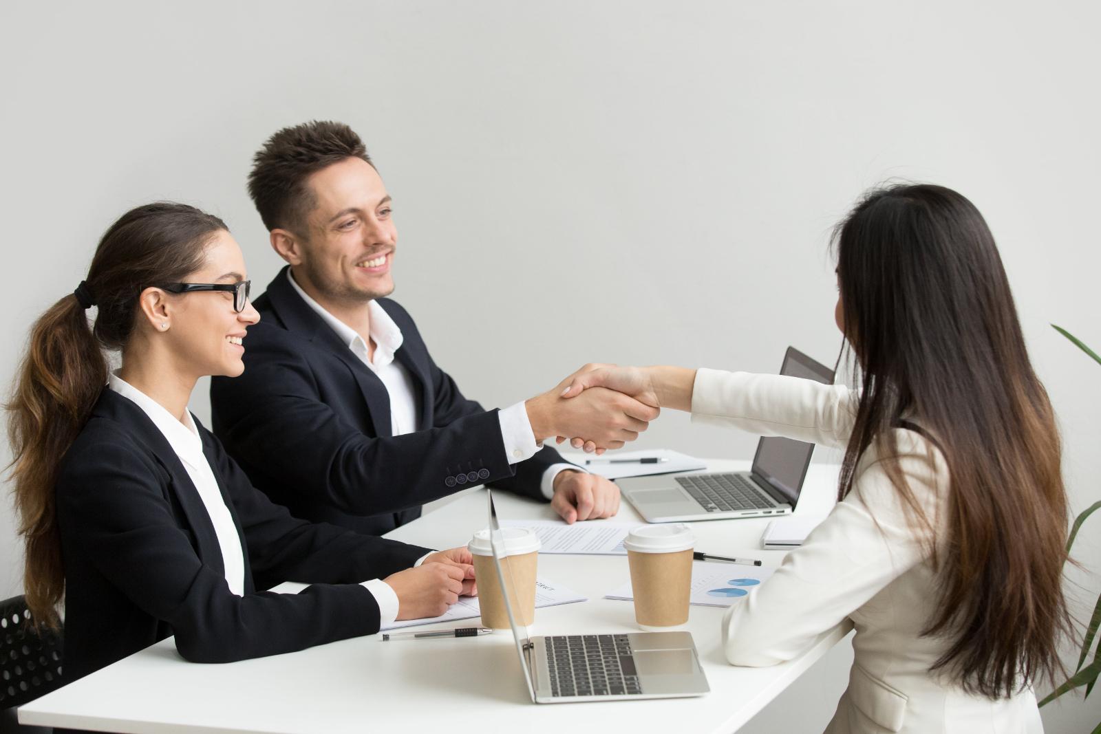 マーケティングを業務委託に任せるメリットは?エージェントの正しい選び方まで解説