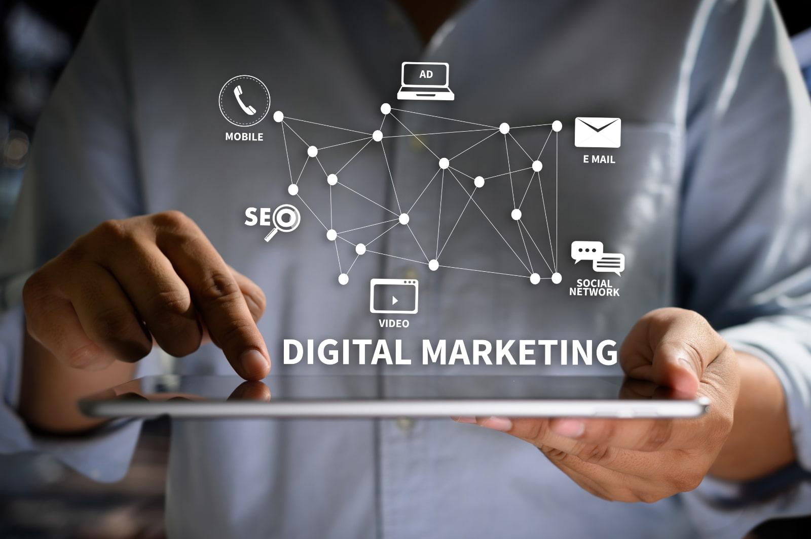 デジタルマーケティングとは?概要・手法・デジタルマーケターの役割まで解説